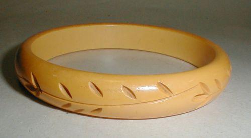 Carved Butterscotch color bangle